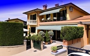 Semi Detached House a Barga
