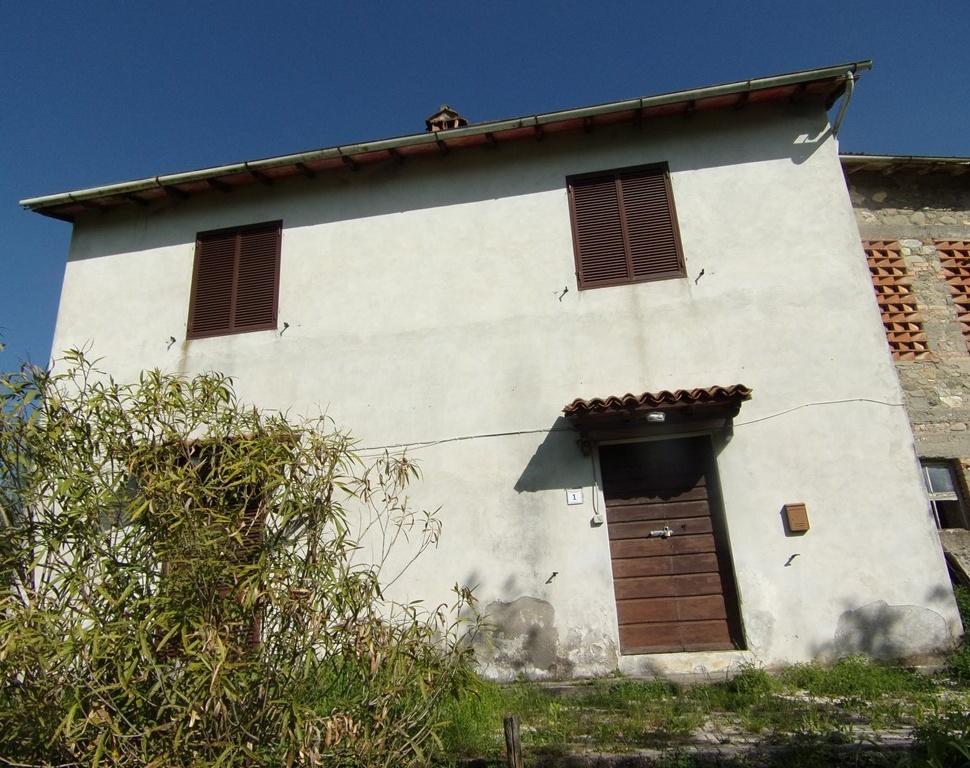 Casa Indipendente vendita MOLAZZANA (LU) - 7 LOCALI - 350 MQ