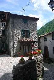 foto Casa di 70mq. nel paese di Fabbriche di Vallico con spazio esterno,…
