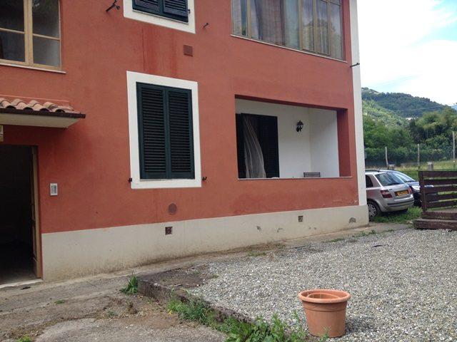 foto Piacevole appartamento in piano terra, pochi passi dal centro di Barga.