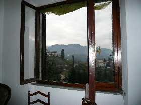 foto Casa posta su un piano  terrazze panoramiche a loft, vicino il centro storico di Barga.