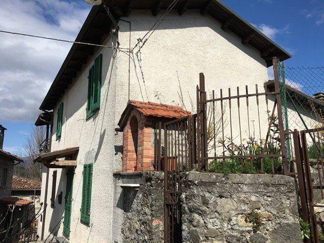 foto Proprietà in posizione panoramica in Camprogiano, Garfagnana