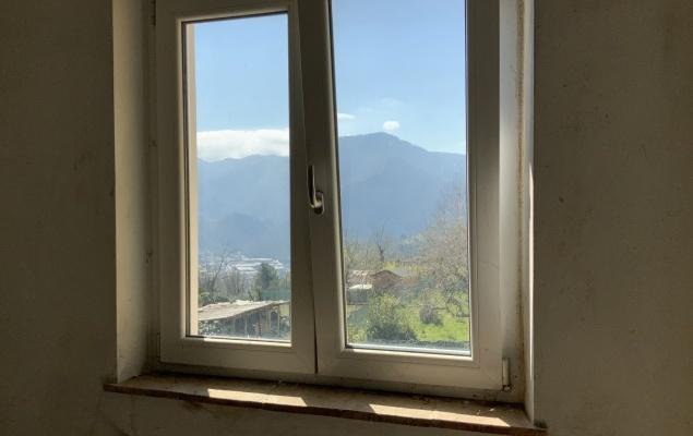 Partially renovated village house, Borgo a Mozzano, Lucca