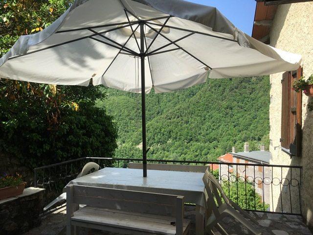 foto Casa di vacanze con piscina nel villaggio di Vallico di Sopra.