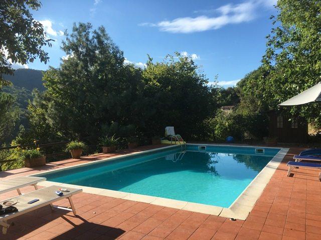 foto Casa rurale con annesso e piscina, posta vicino a Riana, Lucca.