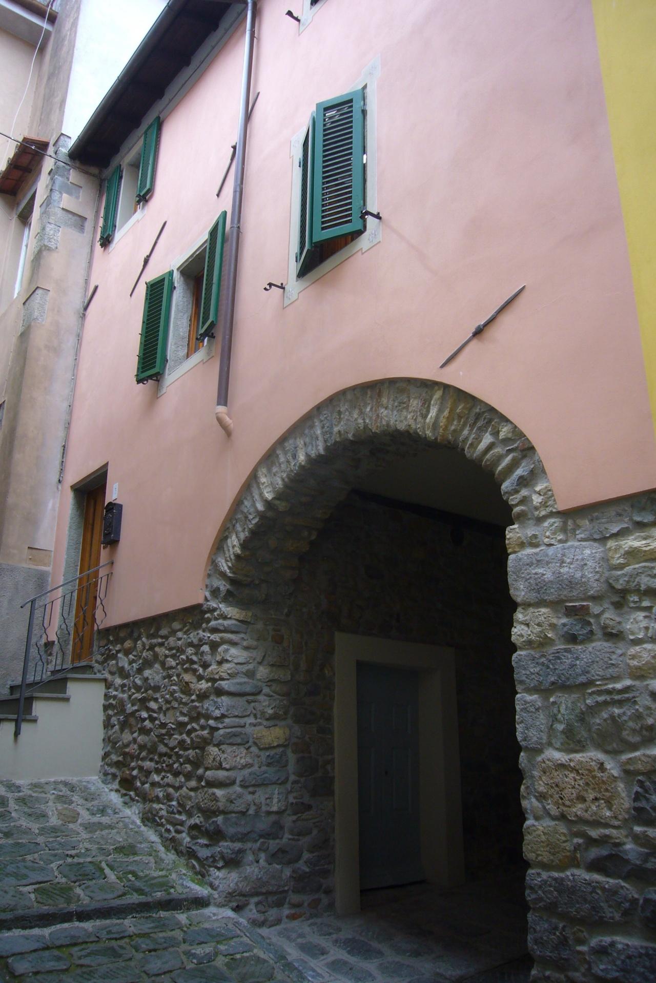 foto Apartamento di circa 116mq nel centro storico di Barga su tre…