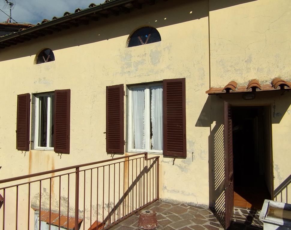 foto Casa situata nell centro storico di Coreglia Anteminelli LU vicino al museo civico.