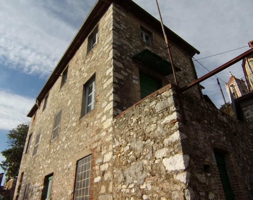 foto Casa rustica posto nelle colline di Brancoli vicino a Lucca