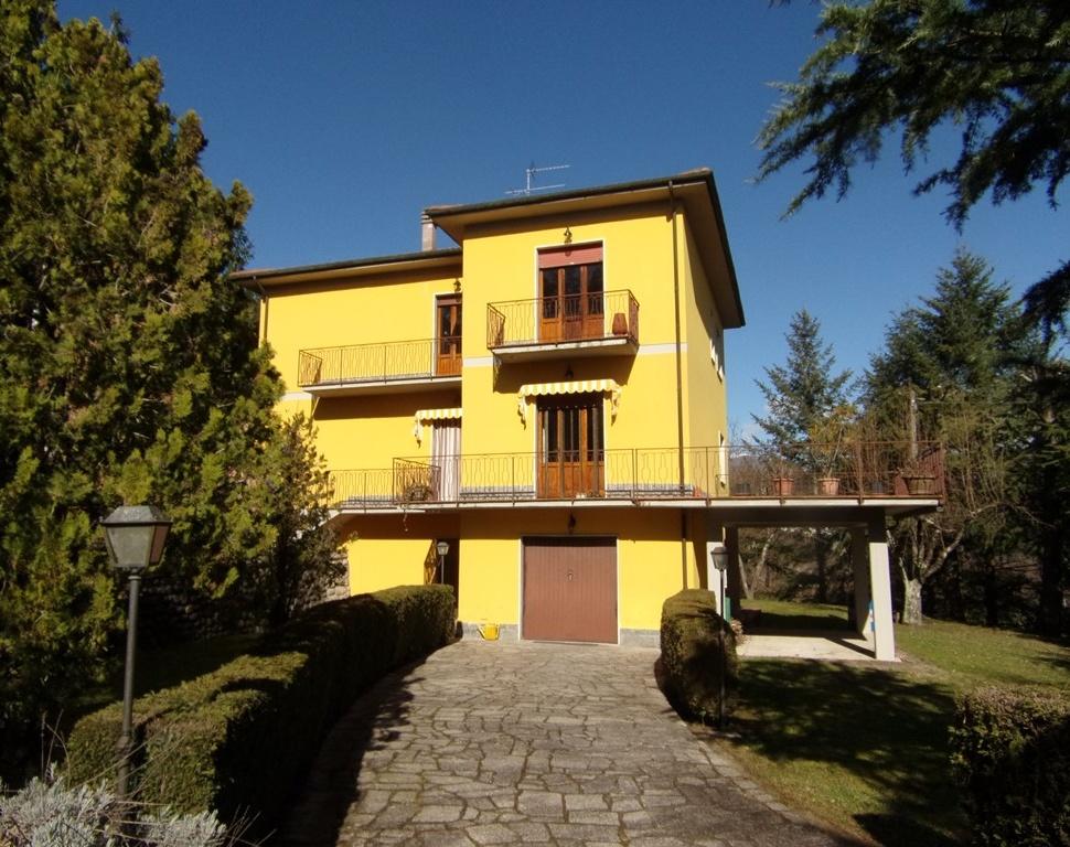 foto Splendida casa nella cittadella di Camporgiano.