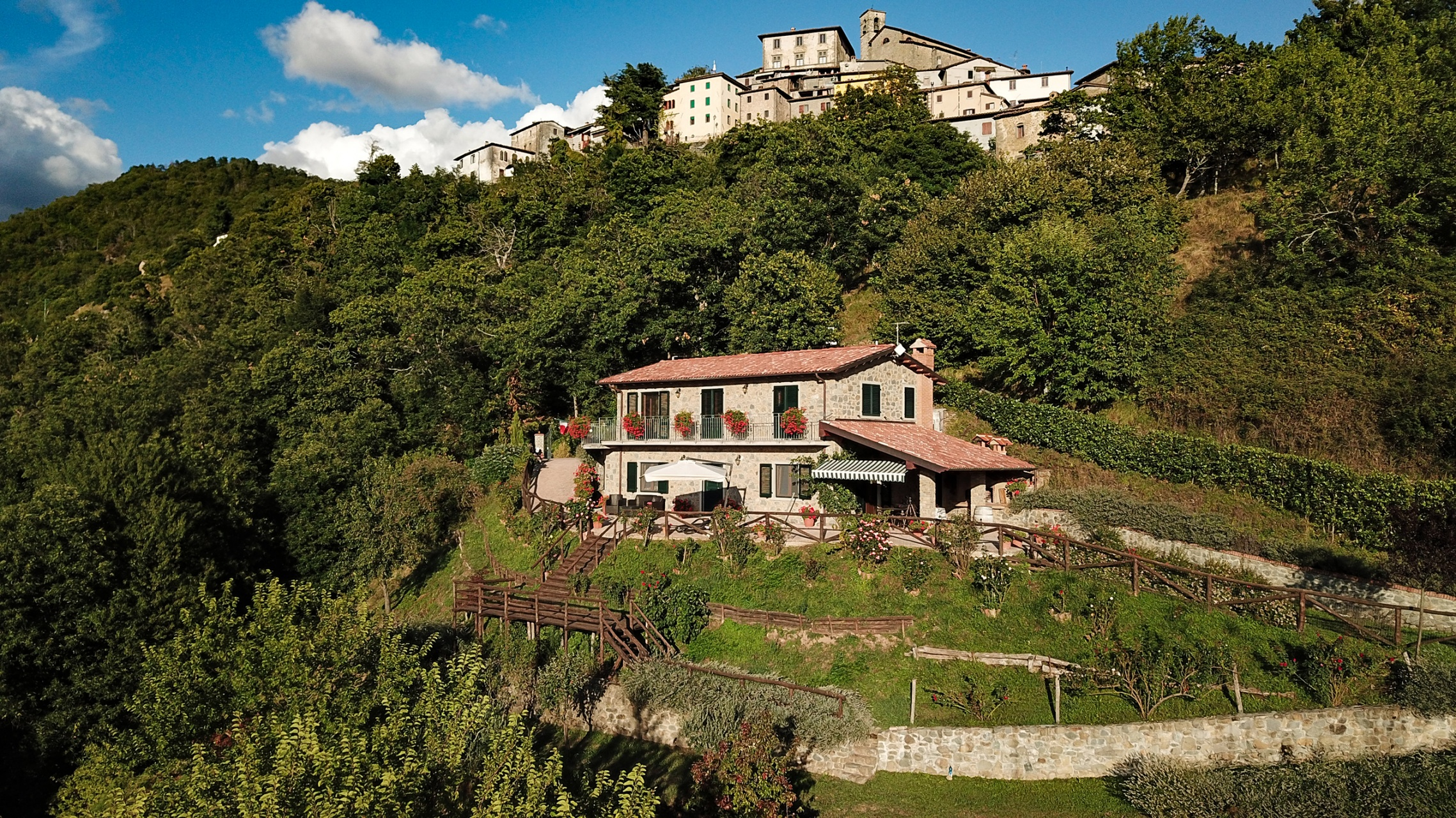 foto Splendida casa con terreno viste della Garfagnana, Lucca.