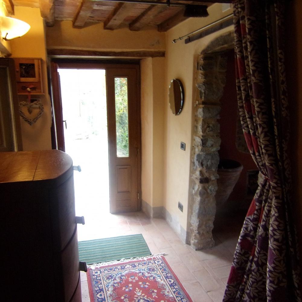 foto Casa rustica di paese splendidamente rinnovata, situata alla periferia dell'antico paese di Trassillico,  nel cuore della Garfagnana, provincia di Lucca.