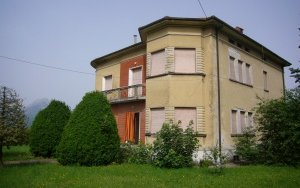 Detached Villa a Barga