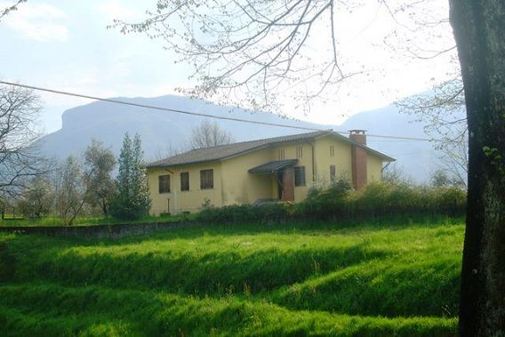 foto Casa su due piani in ottima posizione panoramica vicino a Barga, Lucca.