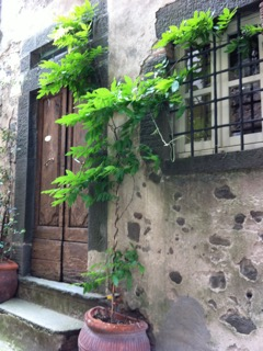 foto Pair of completely renovated houses in the charming village of Tereglio, Lucca.