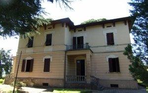 Detached Villa a Barga