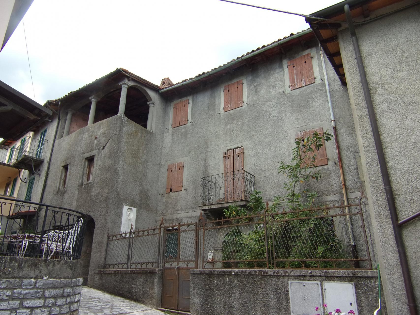 foto Edificio storico da ristrutturare