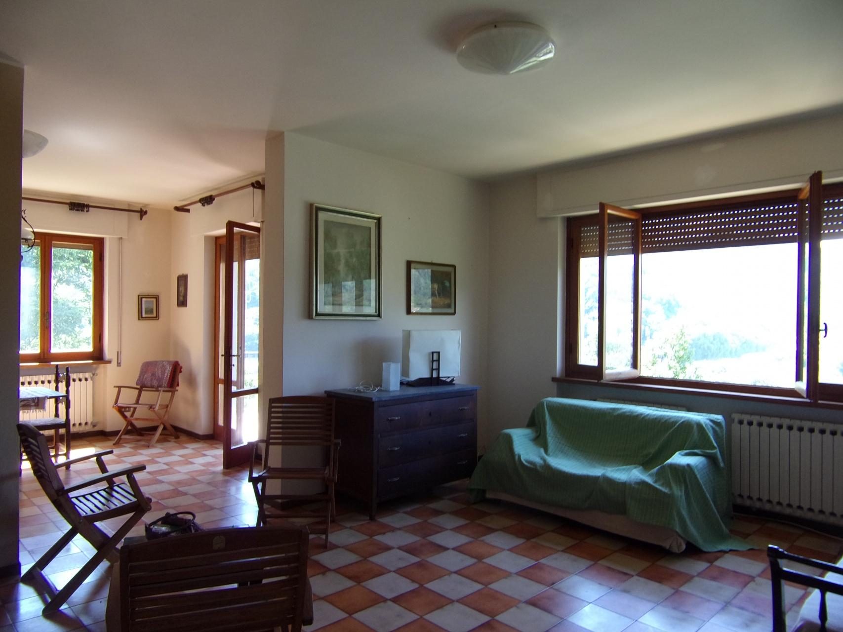 foto Casa indipendente con giardino a Chifenti