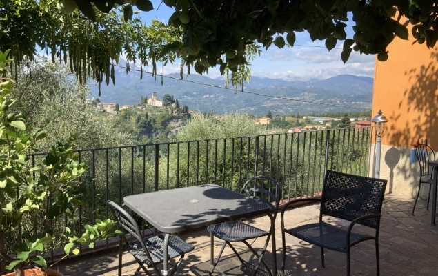 Home and B&B with beautiful views