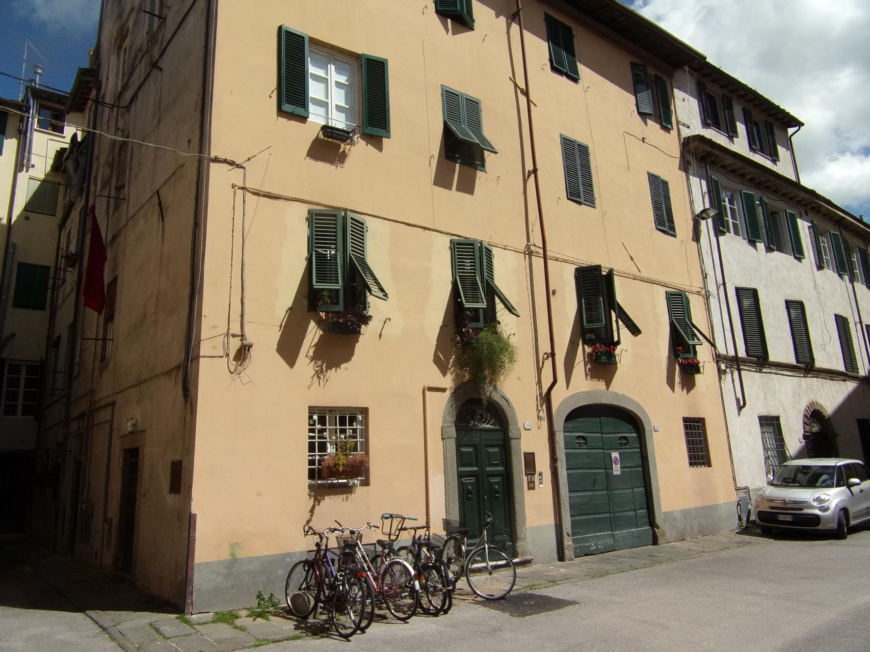 foto Appartamento di mq 120  in centro storico a Lucca