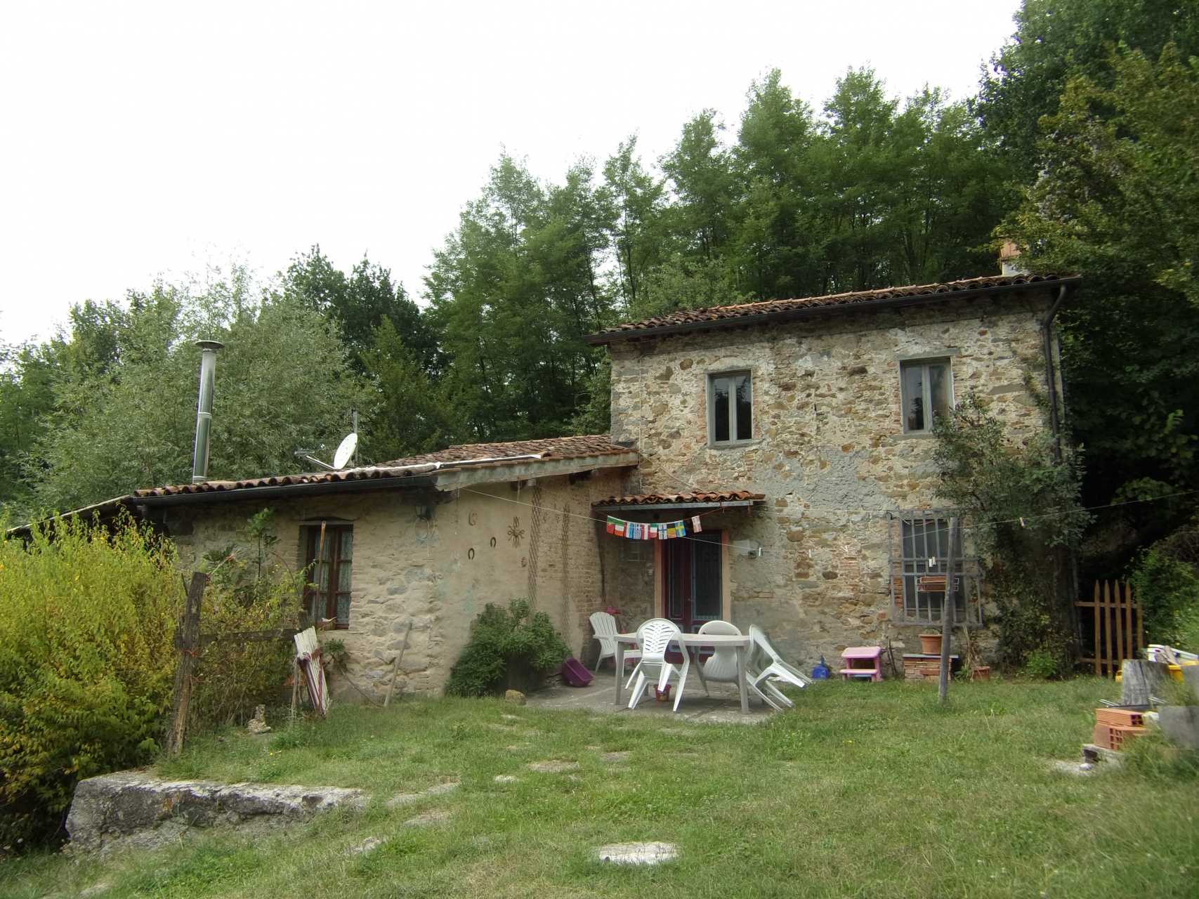 foto Rustico disparte, vicino a Barga, Lucca.