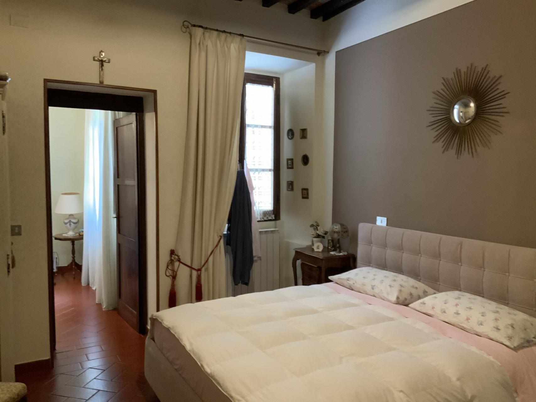 foto Appartamento ristrutturato con vista panoramica, Barga, Lucca.
