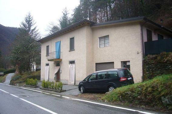 foto Casa indipendente con garage e monolocale indipendente, interamente…