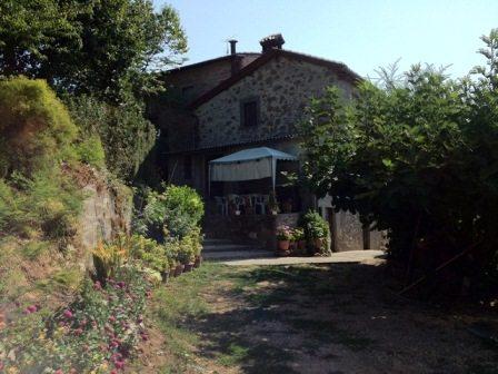foto Casa rurale con 2 capanne e terreno nelle vicinaze di Barga…