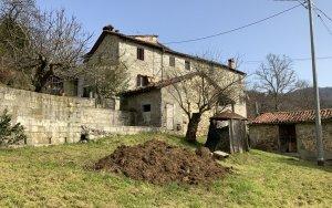 Semi Detached House a Barga